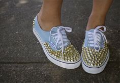 Want to do this! But with something less expenxive than Vans.  #fashion #shoes #diy #vans