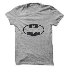 Camiseta Batman Mustache, Camisetas de super heróis – Até o Batman entrou na onda hipster nesta camiseta do Batman de bigode.Você vai impressionar seus amigos com esta camiseta de super heróis do Batman Exclusiva da nossa loja de camisetas online, CamisetasNet.com