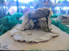 Hunebed maken van stenen en klei