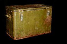 Metal military food box van VintiquesVOF op Etsy