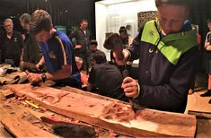 Motunui carvings: metal or stone tools? - CURIOUS MINDS Expert carvers join forces with schoolchildren in Taranaki to find out which tools were used to create an iconic set of Māori panels. New Zealand Adventure, Museum Collection, Science And Technology, How To Find Out, Mindfulness, History, Join, Collections, Tools