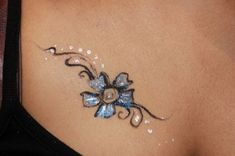 If you are looking to update your look this Small Tattoo Henna With . Small Henna Tattoos, Tribal Tattoos, Tattoos Skull, 3d Tattoos, Finger Tattoos, Unique Tattoos, Cool Tattoos, Hydrangea Tattoo, Scarab Tattoo