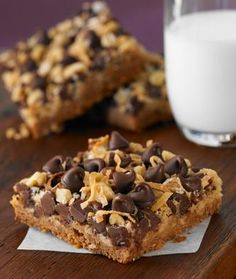 Magic Cookie Bars Recipe 2 cups semi-sweet chocolate chips cup butter or margarine 1 cups graham cracker crumbs 14 fluid ounces sweetened condensed milk 1 cups flaked coconut 1 cup chopped nuts Magic Cookie Bars, Magic Bars, Dessert Bars, Sweet Recipes, Healthy Recipes, Delicious Recipes, Healthy Foods, Healthy Eating, Just Desserts