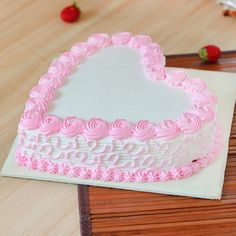 Send Fresh Heart Shape Strawberry Cake Online in India at Indiagift. Cake Decorating Frosting, Cake Decorating Designs, Birthday Cake Decorating, Heart Birthday Cake, Pretty Birthday Cakes, Heart Shaped Cakes, Heart Cakes, Heart Shape Cake Design, Strawberry Cake Decorations