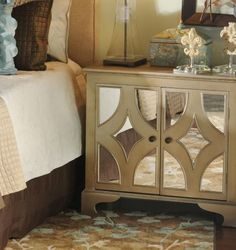Mirrored bedside tables! #beautifulbedrooms