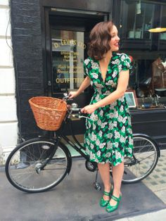 Embedded image permalink Bicycle Women, Bicycle Girl, Bicycle Race, Raleigh Bicycle, Bike Style, Up Girl, Alternative Fashion, Festival Fashion, Boho Dress
