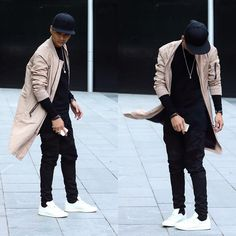 Street Style for Men Yeezy Fashion, Men's Fashion, Urban Fashion, Trendy Fashion, Fashion Outfits, Fashion Clothes, Fashion Styles, Stylish Men, Men Casual