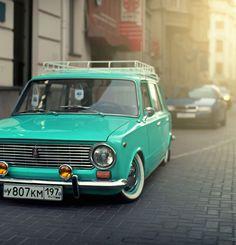 Этот ВАЗ-2102 «Аквамарин» его автор выполнил в стиле resto Сal | Фото