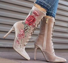 Chic Floral Embroidery Lace up High heels Fashion Boots