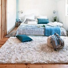 Cozy Floor Bed with Wood Floor Design Modern Bedroom, Bedroom Decor, Bedroom Lighting, Wood Floor Design, Family Room Design, New Home Designs, Trendy Home, Bars For Home, Home And Family