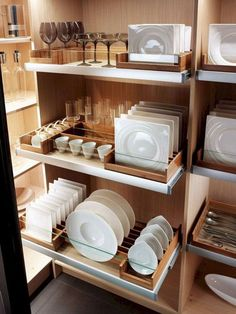 32 Clever Kitchen Storage Ideas For The New Kitchen Clever Kitchen Storage, Kitchen Pantry Design, Cozy Kitchen, Kitchen Cupboards, Modern Kitchen Design, Home Decor Kitchen, Interior Design Kitchen, Kitchen Furniture, New Kitchen