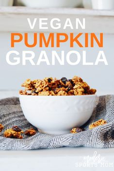 Fall is in the air with this delicious homemade Vegan Pumpkin Granola recipe. It& easy to make and can be part of any clean eating plan! Pumpkin Granola, Vegan Pumpkin, Pumpkin Recipes, Clean Eating Plans, Clean Eating Recipes, Brunch Recipes, Breakfast Recipes, Breakfast Buffet, Vegan Breakfast