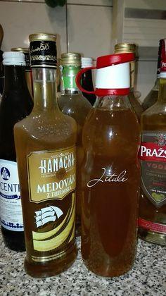 Zázvorový sirup Hot Sauce Bottles, Whiskey Bottle, Drinks, Food, Lemon, Syrup, Drinking, Beverages, Essen