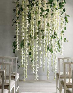 True Event- hanging floral, DIY, backdrop, table setting, unique floral arrangement (www.trueevent.com)
