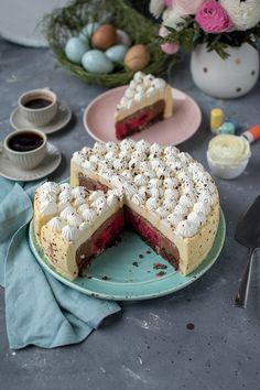 Eierlikör-Mousse-Torte mit buntem Kern: groß auftischen zum Osterfest ⋆ Knusperstübchen