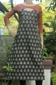 Dress pattern with cut-out neckline sewing discussion topic @ Salwar Designs, Churidar Neck Designs, Kurta Neck Design, Kurta Designs Women, Kurti Designs Party Wear, Chudi Neck Designs, Neck Designs For Suits, Neckline Designs, Blouse Neck Designs