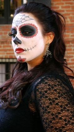 DIY Halloween Makeup : Halloween Look Sugar Skull...I'm LOVING the Dia de Los Muertos face painting! INSPIRED