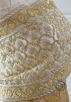 Zardosi Embroidery, Hand Embroidery Dress, Bead Embroidery Patterns, Embroidery Suits Design, Gold Embroidery, Embroidery Fashion, Hand Embroidery Designs, Embroidery Stitches, Couture Embroidery