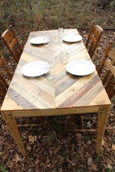 Pallet Table Chevron Style - This 6 foot pallet table is a beautiful piece. It is able to sit 3 people on each side although in the pic ther...