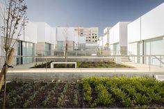 Complejo Social en Alcabideche / Guedes Cruz Arquitectos