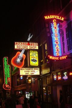 *Nashville (*i so want to go to Nashville and visit all the little country bars!!!)