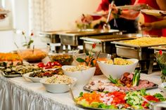 Vufoods provide you the best wedding catering services in Chennai. Birthday Party Catering, Wedding Catering, Buffets, Brunch Mesa, Wedding Planners In Mumbai, Cool Things To Make, How To Memorize Things, Catering Companies, Fine Dining