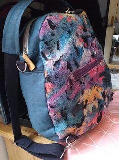 Sac à dos transformable Limbo en toile enduite et tissu multicolore cousu par Cathycouture - Patron Sacôtin
