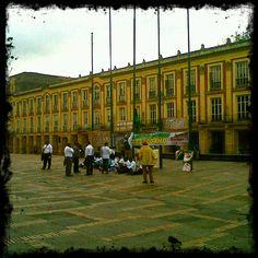 @SocialMediaWeek #InstagramYourCity Bogotá is the best!! @SMWBOG Alcaldía de Bogotá - Plaza de Bolivar pic.twitter.com/EWL6wsZG by @pedrolmunozc