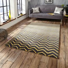 This stunning, yellow chevron design on a graduated grey background offer high levels of comfort and luxury.