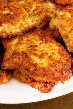 Garlic Chicken Fried Chicken Recipe with Boneless Skinless Chicken Breast, Black Pepper, Paprika, Seasoned Bread Crumbs