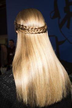 5-minute hairstyles for long hair: Half Heidi Braid