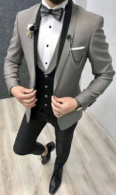 Product : Ferrar Groom Collection All Black Suit Color code : BlackSize : EU material: Viscose, PolyesterMachine washable : NoFitting : Regular Slim-fitRemarks: Dry Cleaning Only Season : 2019 Spring Wedding Season Black Tuxedo Suit, All Black Suit, Slim Fit Tuxedo, Tuxedo For Men, Tuxedo Man, Grey Suit Men, Tuxedo Dress, Smoking Gris, Cristian Gray