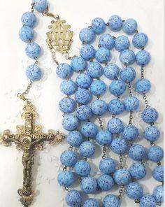 Praying The Rosary, Holy Rosary, Catholic Jewelry, Rosary Catholic, Catholic Churches, Blessed Mother Mary, Divine Mercy, Hail Mary, Rosary Beads
