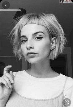 Medium Bob Hairstyles, Hairstyles With Bangs, Cool Hairstyles, Short Fringe Hairstyles, Celebrity Hairstyles, Haircuts, Wedding Hairstyles, Short Hair With Bangs, Short Hair Cuts