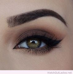 Perfect brown and bronze combination for an eye makeup. Easy, Simple, Step By Step Tutorial For Eye Makeup For Brown Eyes For That Give That Natural Everyday Look. Whether You Are Looking For A Dramatic Or Smokey Look, or A Summer or Prom Look, We Have Everything For Wedding, Prom, Daytime, Evening, and Over 40 Looks. #weddingmakeup