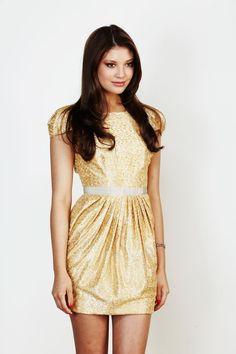 amber dress...paper crown...I'm in love