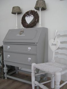 19 Ideas For Diy Desk Upcycle Writing Bureau Vintage Writing Desk, Writing Bureau, Desk Makeover, Furniture Makeover, Bureau Upcycle, Diy Bedroom Decor, Diy Home Decor, Writers Desk, Shabby