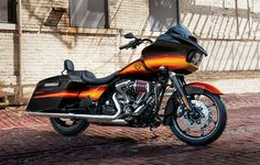 The high-mileage road warrior, loaded with attitude, modern style and Project RUSHMORE features. | 2015 Harley-Davidson Road Glide