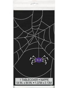 1 zwart tafelkleedmet een paars spinnetje voor #Halloween. www.kinderfeest.nu!
