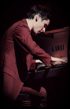 #KawaiArtist Matt Bellamy of Muse