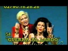"""Vanna Marchi e Stefania Nobile durante la diretta delle loro """"televendite"""". Arrestate per truffa dopo molti anni di imbrogli fatti ai telespettatori."""