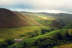 Taken by my flickr contact Michelle. The Peak District...this where I'm hoping to do my next trek!