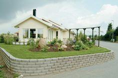 Mursten S:t Eriks Windsor Blockmur Naturgrå cm Style At Home, Home Fashion, Windsor, Pergola, Sidewalk, Outdoor Structures, Patio, Mansions, House Styles