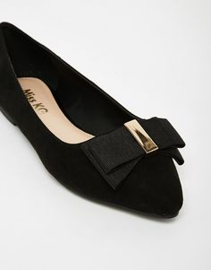 Shop Miss KG Nessy Bow Front Black Pointed Flat Shoes at ASOS. Latest Fashion Clothes, Latest Fashion Trends, Fashion Online, Miss Kg, Pointed Flats, Asos Online Shopping, Flat Shoes, Shoe Collection, Women Wear