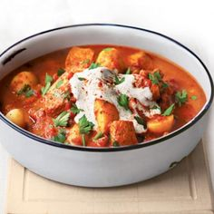 A quick and simple one-pot recipe for Hungarian favourite, pork goulash. Gourmet Recipes, Healthy Recipes, Healthy Food, Healthy Weight, Dinner Recipes, Cubed Pork Recipes, Pork Goulash, Easy Goulash Recipes, Macaroni Recipes