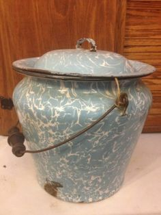 Original Vintage Antique Graniteware Blue & White Swirl Chamber Pot & Lid