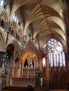 Gothic Architecture - http://www.pinterest.com/emmagangbar/boards/