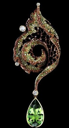 'autumn' by jewellery theatre