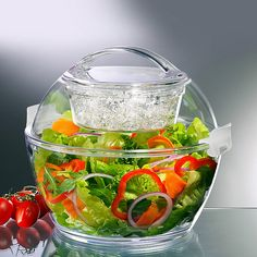 Portable salad carrier - Keeps your dressing separated from your greens. Great for picnics, the beach, tailgating or an outdoor party.