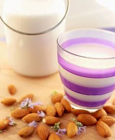 Breakfast time will become a lot  iciously healthy with this super easy homemade Almond Milk recipe! Forget about store-bought dairy free / vegan milk alternatives. Follow this fool-proof recipe to make your own icious Almond Milk, sweet, mild, and  gentle on the digestive system than heavily processed milks. It is fantastic to drink, put it …